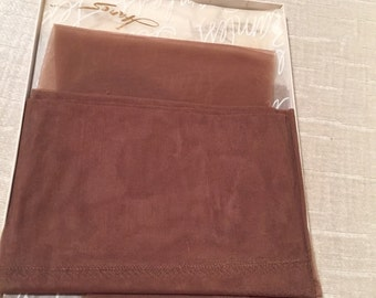 3 Pair Dark Taupe Sheer Vintage HANE'S Boxed Stockings 9.5 S NOS Barely There Stretch 440