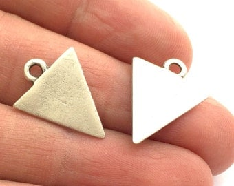 10 Silver Charms Triangle Charms Antique Silver Plated  Charms  10 Pcs (22x16mm) G5844