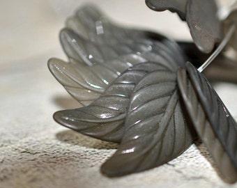 Tourmaline leaf, lucite, 24mm, #224