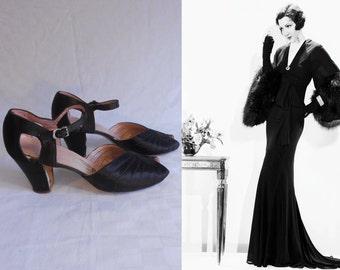 Honour Among Lovers - Vintage 1930s Black Silk Open Toe Open Vamp Heels Pumps Shoes - 6.5B/7