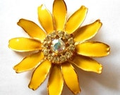 ON SALE Vintage Enamel and Rhinestone Yellow Daisy Flower Retro Floral Brooch Pin