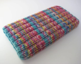 wool iPhone 6/7 sock cosy - hand knitted phone cosy - mobile phone sock - cellphone sock - knitted phone sock - phone cosy - pink cosy