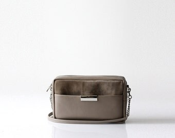 Taupe Leather Cross Body Bag OPELLE ISSA Cross body handbag in Crimson