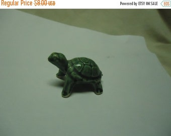 Valentines Sale Vintage Small Green Turtle Sitting Up Figurine, collectable