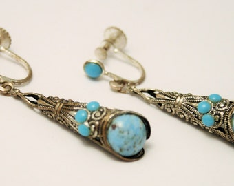 Vintage turquoise earrings. Screw back earrings. Long earrings.