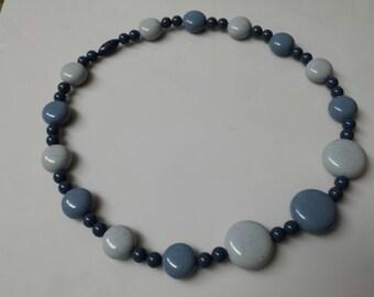 Avon  Sand Pebbles  Choker Necklace Sea Blue 1986