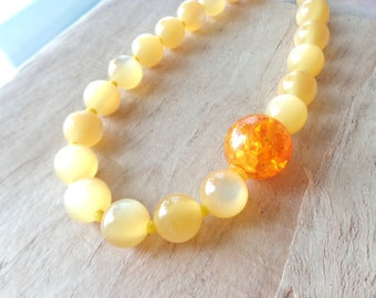 Yellow orange necklace,short beaded necklace, yellow necklace, orange necklace, Retro yellow necklace