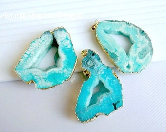 Druzy pendant Geode pendant Agate slice pendant 24kt, Gold Plated Edge Geode agate Pendant Turquoise Blue color, gemstone Pendant, JSP-6475