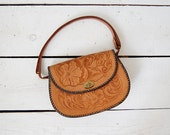 tooled leather bag / 70s leather purse / 1970s saddle bag / Pacific Crest bag
