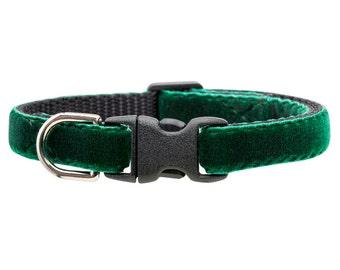 "Cat Collar - ""The Enchanted Forest"" - Cat Collar - Emerald Green Velvet"
