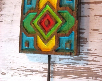 Colorful Carved Wood Wall Hook Mid Century Farmhouse Mission Cottage Style Stamp Carving Hook For Wall H-14