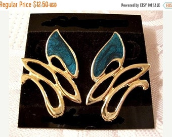 ON SALE Green Black Swirl Flower Pierced Earrings Gold Tone Vintage Large Clear Glaze Enamel Open Rib