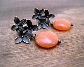 ON SALE Orange Aventurine Dangle Earrings Antiqued Bronze Flower Earrings Post Earrings Boucles D'Oreilles Oranges  Fleurs Bronze Ant