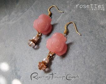 Rosettes earrings [in pink] / Gold plated finish hook drop lightweight earrrings