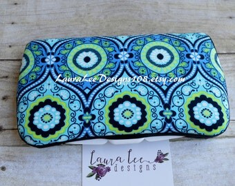 Blue Floral Medallion, Travel Baby Wipe Case, Personalized, Diaper Wipes Case, Wet Wipes Case, Baby Shower Gift, Wipe Holder, Wipe Clutch