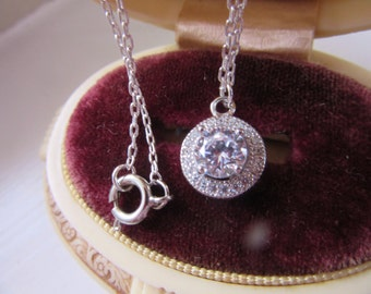 925 Sterlng 1kt Center Diamond CZ Stone Halo Pendant Silver Plate Chain