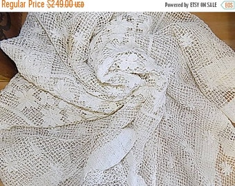 Antique Tablecloth - Vintage French Tablecloth - White Handmade Knotted - Cluny Bobbin Filet Lace Cottage Chic