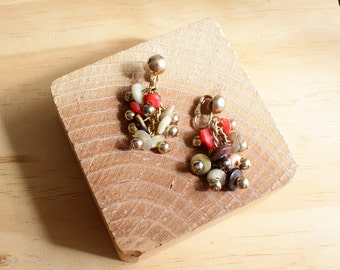Cluster Earrings • 60s Earrings • Clip On Earrings • Beaded Dangle Earrings • Clip On Dangle Earrings • Shell Earrings • Clip Ons   E192