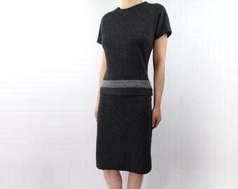 VINTAGE 1950s Grey Wool Dress Shorsleeve