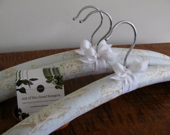 Toile Hangers, Padded Hangers, Blue Toile Hangers, Toile Covered Hangers, Toile Clothing Hangers, French Toile Hanger Set 3, Toile Hangers