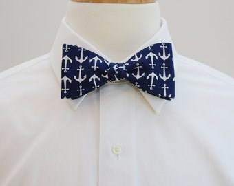 Men's Bow Tie navy with white anchors, nautical bow tie, sailor gift bow tie, sailor's wedding bow tie, ocean bow tie, self tie bow tie