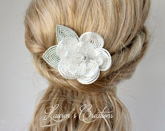 Beaded Flower Wedding Hair Comb in Silky White and Silver, floral bridal hair piece, winter wedding hair fascinator, bride hair accessories