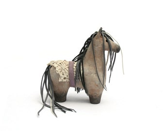 Tabletop Folk Horse Olene