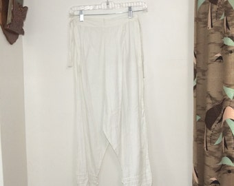 Womens Antique Bloomers // Early 1900s Vintage Undergarments // White Cotton Pants // Size S