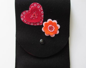 "SALE - Felt tablet case, kindle cover, black with red pocket, heart and flower, water absorbent, pressed felt, 3mm thick, 7.5"" x 5"""
