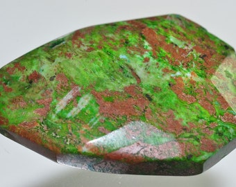28x38x10mm Exuberant~Vivid African GREEN OPAL Faceted Freeform Pendant - M0986