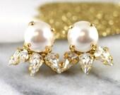 Pearl Earrings,Bridesmaids Pearl Earrings,Swarovski Stud Earrings,Bridal Pearl Earrings,White Pearl Stud Earrings,Swarovski Crystal Studs