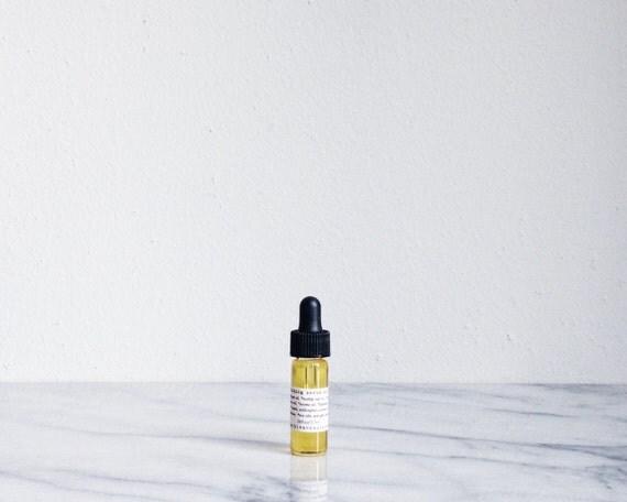 nourishing serum with rose - restorative organic facial oil, rose otto, neroli, wild carrot - sample