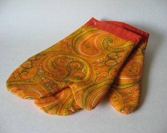 Lovely handmade oven mitts unused vintage fabric orange yellow green paisley pot holder retro floral