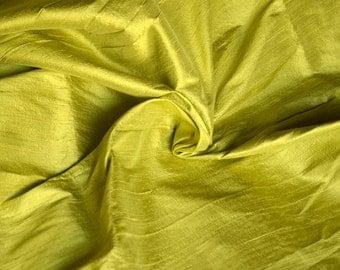 Silk Dupioni in Pale Apple green , Fat quarter - D 316