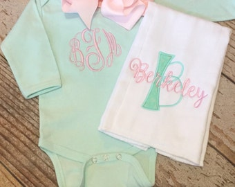 Monogrammed baby girl coming home outfit, bodysuit, bow, burp cloth, Personalized newborn gift set, custom, monogram onesie