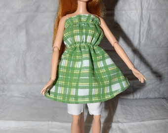 Green & white plaid top (dress) and white capri shorts for Fashion Dolls - ed864