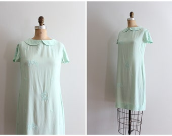 vintage 50s sheath dress - short sleeve cotton dress / Pale Pistachio - mint green dress / peter pan collar - fine embroidered cotton dress