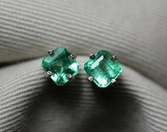 Emerald Earrings, Colombian Emerald Earrings 1.61 Carats Appraised 1932.00 Genuine Emerald Jewelry, Sterling Silver Emerald Jewelry
