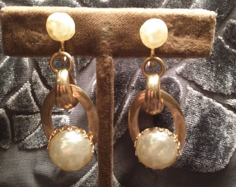 CHUNKY Goldtone Screwback Earrings w/ Faux Blister Pearls VINTAGE