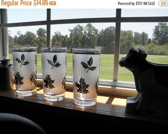 Vintage Tall Libbey Frosted Silver Leaf Glasses Set 3 Vintage Shop New Orleans Libbey Silver Leaf