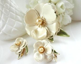 Soft White Enamel Brooch and Clips Earrings / Flower Brooch / Vintage Metal / Pearl Center / Wedding Whites