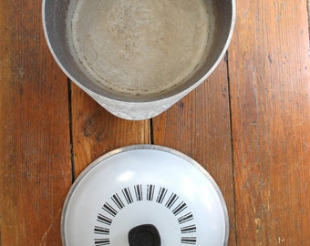 Dinner Time... Vintage Gray and Black Metal Club Stock Pot, Club Cookware, Dutch Oven, Pan Dish, Vintage Kitchen Ware