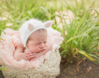 Newborn Kitten Bonnet
