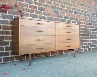Paul Mccobb Dresser Mid-Century Modern