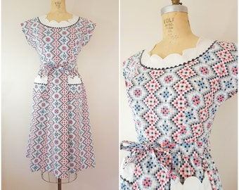 Vintage 1940s Dress / Geometric Pattern / Cotton Dress / Novelty Print / Medium