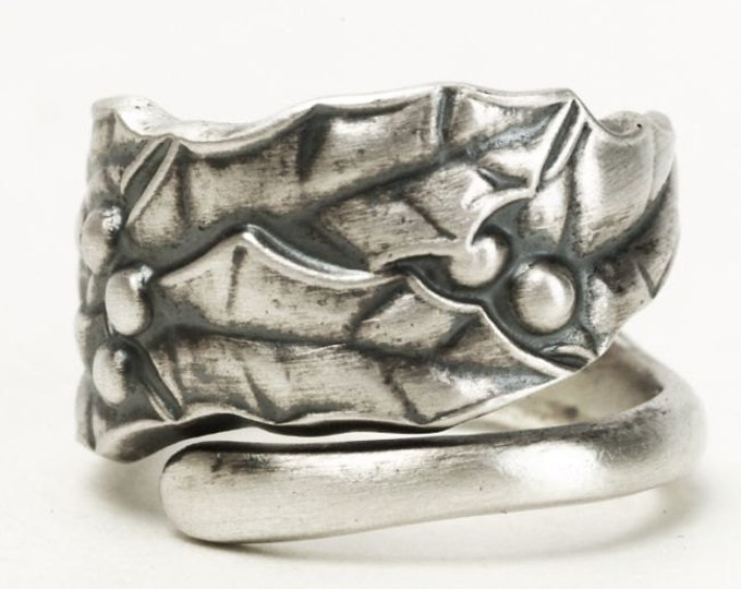 Holly Ring, Holly Leaves, Sterling Silver Spoon Ring, Holiday Ring, 925 Festive Handmade Jewelry, Holly Jewelry, Adjustable Ring Size (3377)