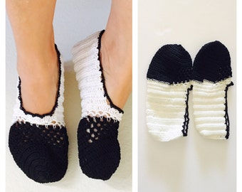 Black & White Crochet House Shoes, Slippers, Size 8, Hand Made in the U S A, Item No. Bgde05