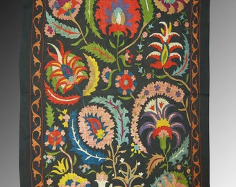 Wall suzani Bukhara flowers in the night 100% silk on cotton high quality silk and high-quality hand-stitch