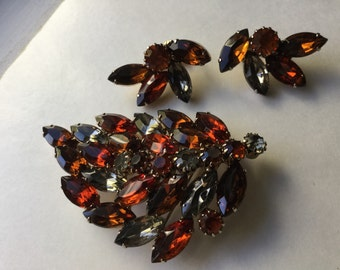Juliana Root beer amber colored rhinestone brooch and earrings with glass stones  VJSE