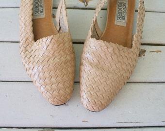 1980s HIPPIE SANDALS....size 5.5 women...boho. sling backs. 1980s flats. shoes. womens. leather. tan leather. mod. folk. designer. urban